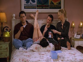 """These 15 """"Friends"""" Errors Had Us Like """"Oh.My.Gawd."""""""